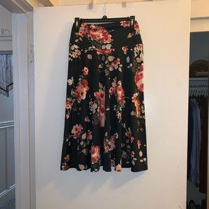 Black floral midi maxi skirt ✨🌺